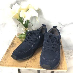 Aerosoles Navy Blue Suede Lace Up Shoes Size 6.5
